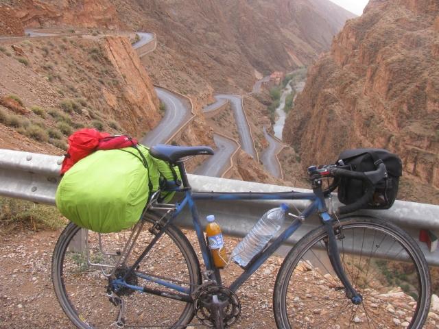2012.3.24 モロッコ、ダデス渓谷にて