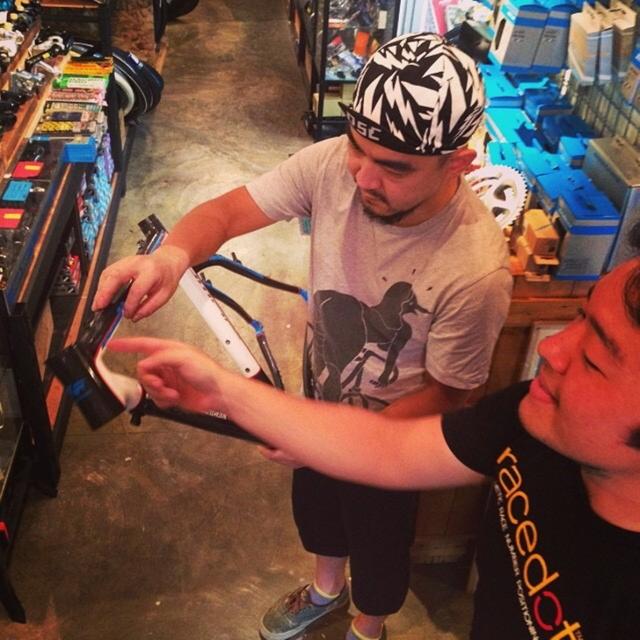2014.7.24 二子新地、Above Bike Store店内にて